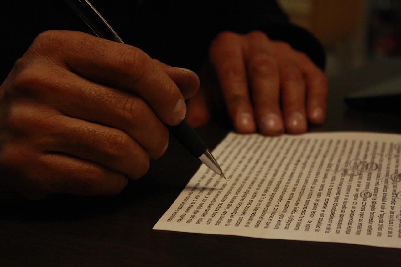楽曲「屋根裏童話」で使っている、作詞に使えるいくつかの手法